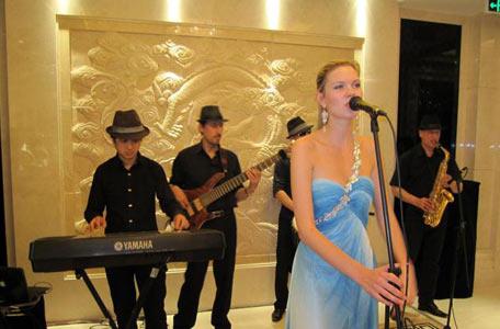 成都外籍爵士乐队表演