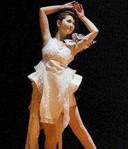 成都女子现代舞表演